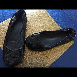 RARE TORY BURCH BLK Patent LEATHER Flats 8.5 CHIC